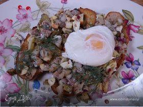 Бутерброды с сельдью, яблоком и яйцом пашот