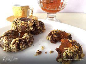 Шоколадное печенье с орехами и джемом