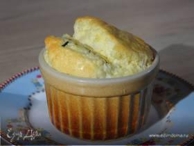 Сырное суфле с зеленым луком и кукурузной мукой
