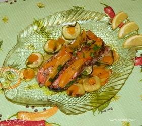Запеченная в кармашках форель с вином и овощами