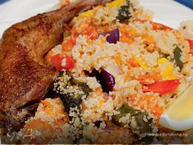 Пряный кускус с цесаркой и печеными овощами