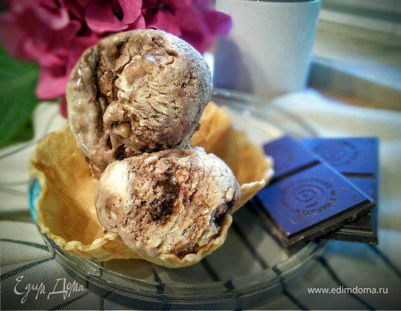 Фундучное мороженое с шоколадом «Джандуйа»