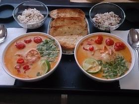 Суп «Том Ям» c тигровыми креветками