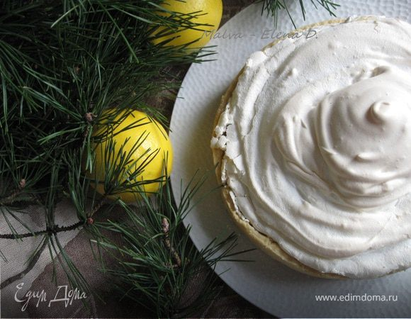 Лимонный пирог с меренгами