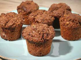 Ореховые маффины с шоколадной начинкой
