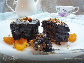 Шоколадные брауни с курагой и миндалем
