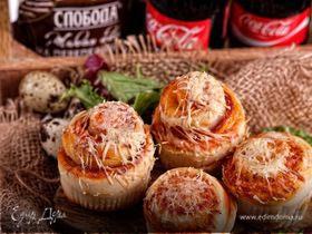 Закусочные булочки-розочки с беконом