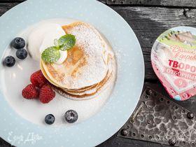 Творожные оладьи с ягодами