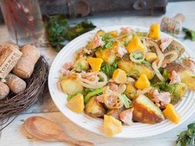 Теплый салат из картофеля, тунца и патиссонов