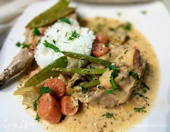 Кролик с овощами под горчичным соусом