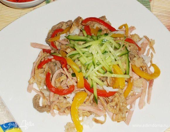 Нику тяхан (жареный рис с говядиной)
