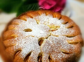 Абрикосовый пирог на яичном ликере