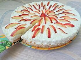 Тарт без выпечки с творогом и нектаринами
