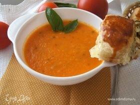 Томатный суп с морковью и базиликом