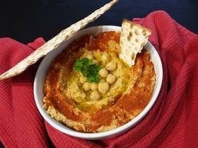 Хумус с вялеными томатами