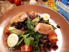 Крабовые палочки в панировке с легким салатом