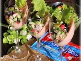 Крабовый салат на томатно-сливочной подушке