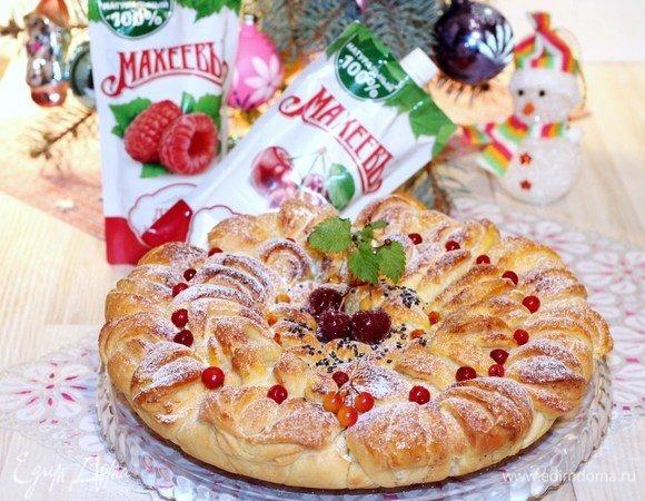 Праздничный пирог с фруктово-творожной начинкой