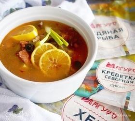Рыбная солянка с грибами и креветками
