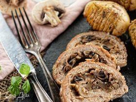 Мясной рулет с грибами и луком