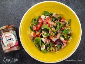 Салат с тунцом, моцареллой и стручковой фасолью