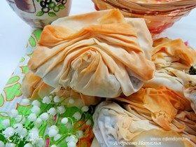 Пирожки «плиссе» с курицей и шпинатом из теста фило