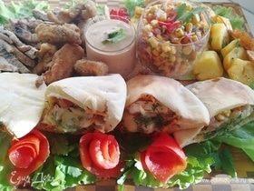 Ужин в стиле «фьюжн» (пита с овощами и стейком)