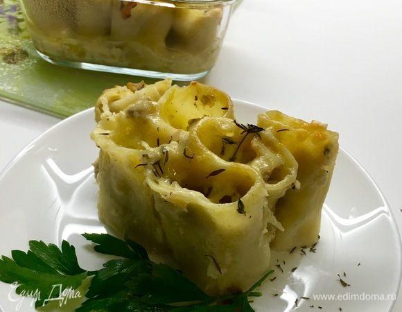 Паккери, фаршированные мясом индейки и овощами, под сыром