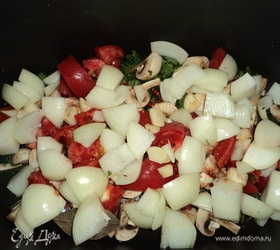 Баранья нога, запеченная в овощной шубе