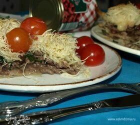 Пирог с мясом и фасолью