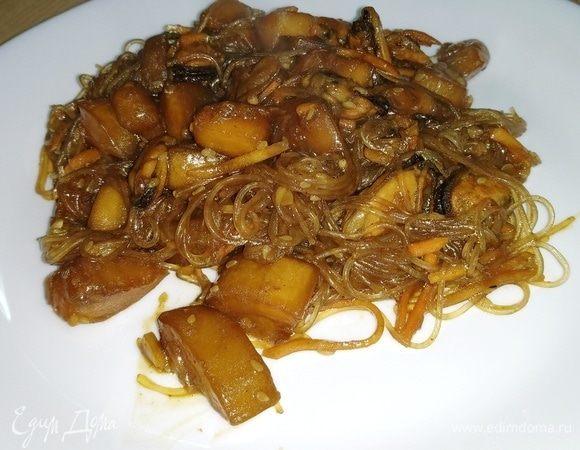 Фунчоза с кабачками, грибами и мидиями под соусом якитори