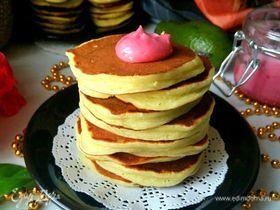 Панкейки-башенки с авокадо на простокваше
