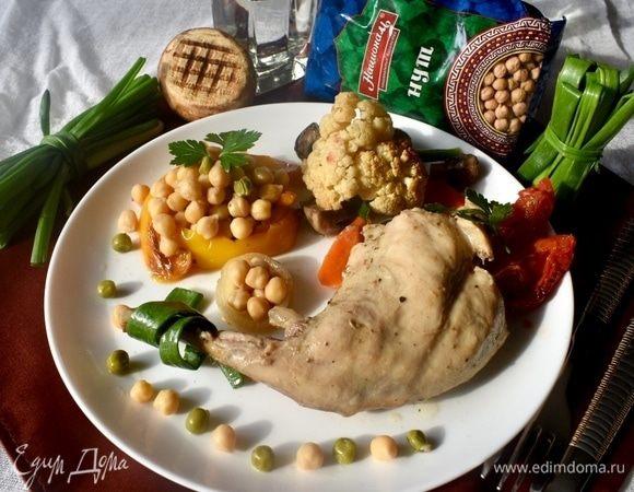 Кролик, запеченный с овощами и горохом нут