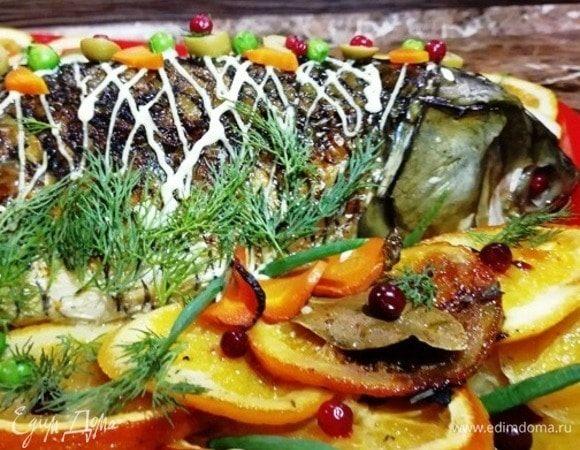 Запеченный белый амур с овощами