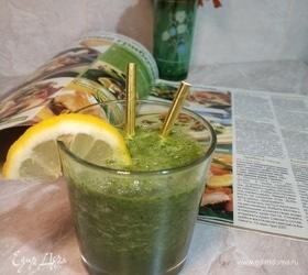 Зеленый утренний смузи с капустой кейл