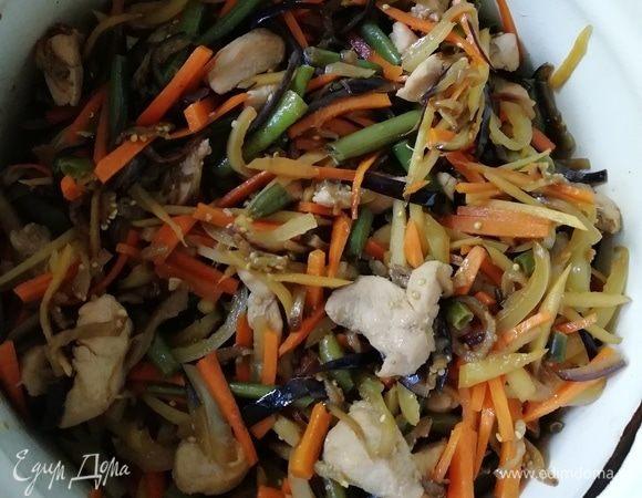 Курица с овощами (китайская лапша в коробочке)