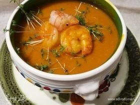 Тыквенный крем-суп с яблоком и креветками