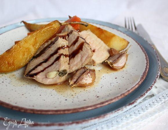 Свинина, запеченная с шалфеем и медом