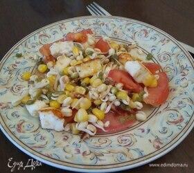Салат из ростков маша, помидоров и жареного сыра