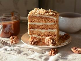 Медовые тортики с карамельным, орехово-ванильным и масляным кремом