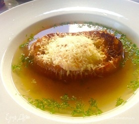 Итальянский суп с яйцом пашот