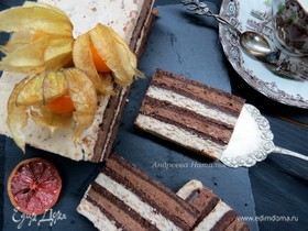 Полосатый чизкейк с голубым сыром и ореховой карамелью