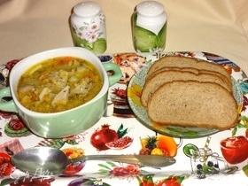 Постный суп с чечевицей и вешенками