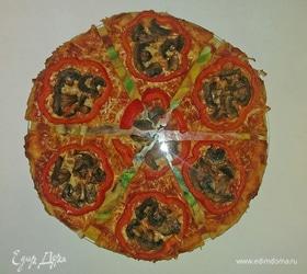 Пицца с болгарским перцем и шампиньонами