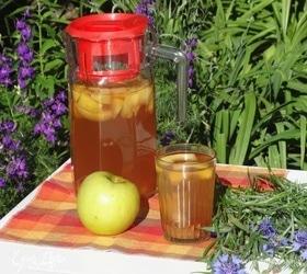 Напиток из боярышника с яблоками