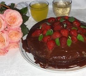 Торт с клубникой «Именинный»