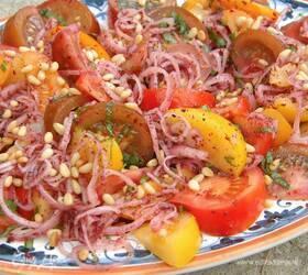 Салат из разноцветных помидоров