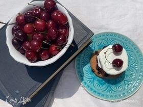 Мороженое с черешневым желе