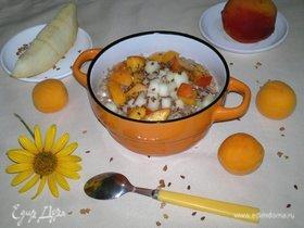 Гречневая каша с творогом и фруктами