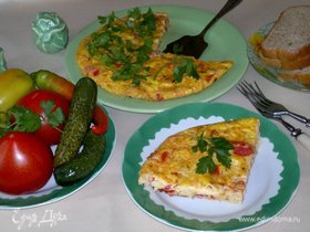 Омлет с луком и помидорами
